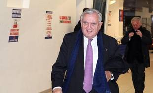 """L'ancien Premier ministre Jean-Pierre Raffarin a regretté mardi, lors de l'émission Preuves par 3 Public Sénat/AFP. qu'il y ait """"trop de brutalités"""" envers Rachida Dati, candidate à la primaire pour les élections municipales à Paris."""