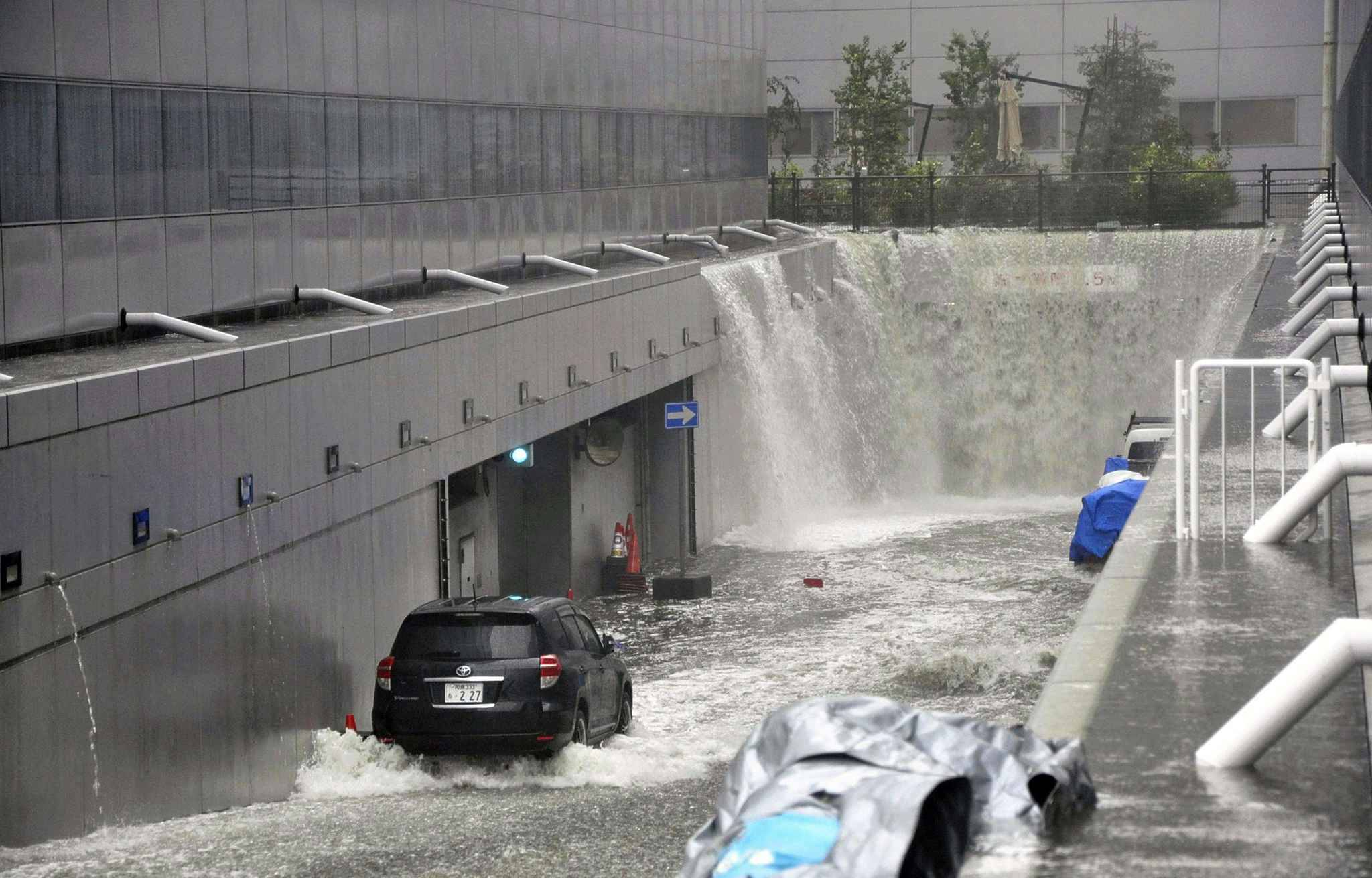 Water of high waves due to Tyhoon Jebi flood into the building at Kansai International Airport in Osaka Prefecture on Sep. 4, 2018. All the flight has been canceled since same day noon. Jedi made a landfall on Tokushima Prefecture in noon and forecasted to move along the coasts of Japan Sea of northern Japan. Violent winds, high waves and heavy rains are forecasted in wide area of Japan till next day.