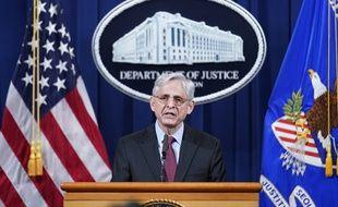 Le ministre de la Justice américain Merrick Garland a annoncé l'ouverture d'une enquête fédérale sur la police de Minneapolis, au lendemain du verdict de culpabilité du policier blanc Derek Chauvin pour le meurtre de l'Afro-Américain George Floyd.