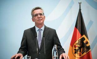 Le ministre allemand de l'Intérieur, Thomas de Maizière, lors d'une conférence de presse sur la crise des migrants, le 28 octobre 2015 à Berlin