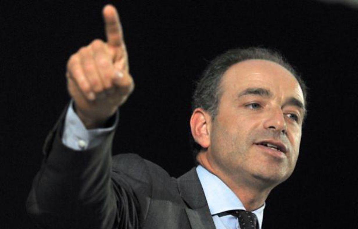 Le secrétaire général de l'UMP, Jean-François Copé, s'exprime durant une réunion publique, le 7 juin 2011 à Marcq-en-Baroeul (Nord). – P.HUGUEN / AFP