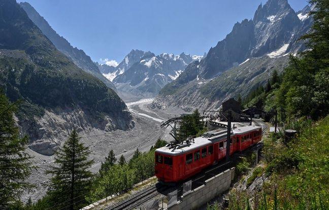 Oui, la France ça peut être joli aussi (Petit train rouge vers le glacier La Mer de Glace, près de Chamonix).