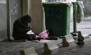 Environ 141.500 personnes, dont 30.000 enfants, étaient sans domicile début 2012 en France, soit une progression de près de 50% depuis 2001, selon une étude de l'Insee rendue publique mardi.