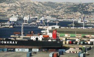 Le port de Marseille veut développer ses liaisons ferriviaires et fluviales.