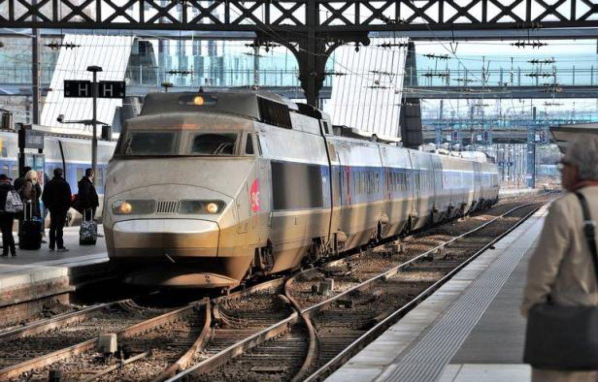 """La SNCF va mettre en place à la fin du mois un nouveau système de """"Garantie voyage"""" visant à renforcer l'information des clients TGV et Intercités avant leur voyage, et leur indemnisation notamment en cas de retard ou d'annulation. – Philippe Huguen afp.com"""