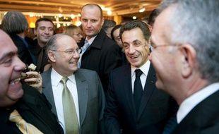 Nicolas Sarkozy et le préesident du Crif Richard Prasquier au dîner annuel de l'institution à Paris, le 2 mars 2009.