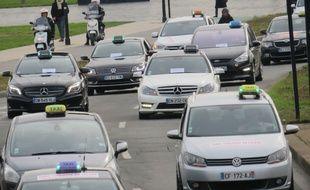 Manifestation des taxis à Bordeaux contre le service Uber Pop