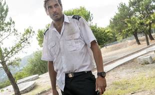 Vincent Elbaz dans la série No Limit.