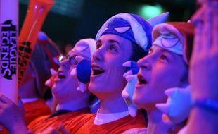 """Des fans de jeux vidéo lors d'un tournoi sur """"League of Legends"""", l'un des jeux en réseau les plus pratiqués, le 9 mai 2014 à Paris"""