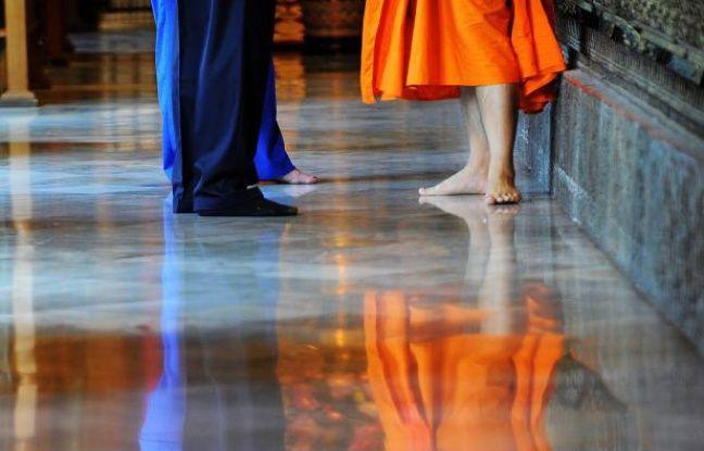 nouvel ordre mondial   Japon: Tombé en dépression à cause du surmenage, un moine porte plainte contre ses anciens employeurs