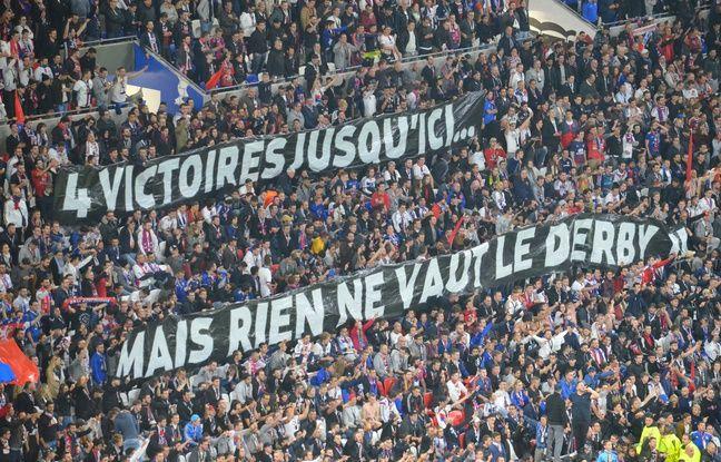 Le virage nord du Parc OL a déployé une banderole faisant référence au derby, jeudi soir contre Everton.