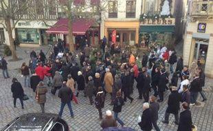 Manuel Valls en déplacement le 6 décembre 2013 à Sézanne (Marne) où un braqueur a été tué par un bijoutier la semaine d'avant.