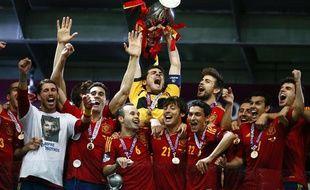 Les joueurs espagnols vainqueurs de l'Euro 2012 le 1er juillet 2012 à Kiev en finale contre l'Italie.