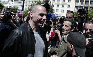 Le ministre grec des Finances, Yanis Varoufakis, s'est joint aux manifestations syndicales de la Fète du travail, le 1er mai 2015 à Athènes