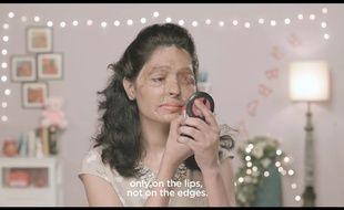 Capture d'écran de l'un des deux tutoriels «Beauty tips by Reshma» diffusées par le mouvement «Make love not scars» pour interdire la vente libre d'acide en Inde.