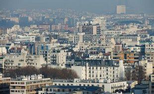 """La Commission européenne a proposé mercredi d'imposer des plafonds nationaux plus stricts pour les principales sources de la pollution de l'air afin de lutter contre ce """"tueur invisible"""" et éviter 58.000 décès prématurés chaque année."""