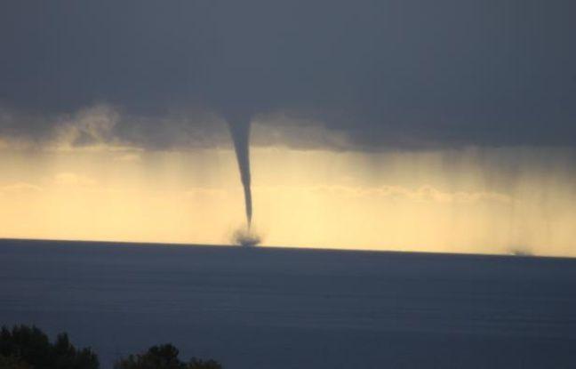 Photo d'une tornade au large de Menton, sur la Côte d'Azur, envoyée par une lectrice de 20minutes.fr