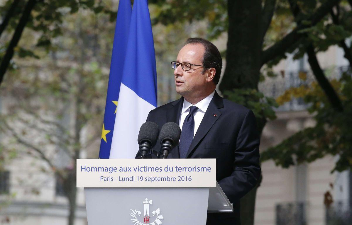 François Hollande à la cérémonie d'hommage national aux victimes du terrorisme, le 19 septembre 2016 à Paris. – Michel Euler/AP/SIPA
