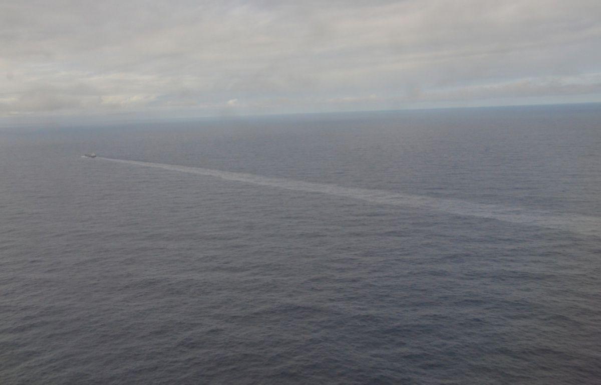 La pollution détectée s'étend sur près de 42 kilomètres. – Préfecture maritime de l'Atlantique