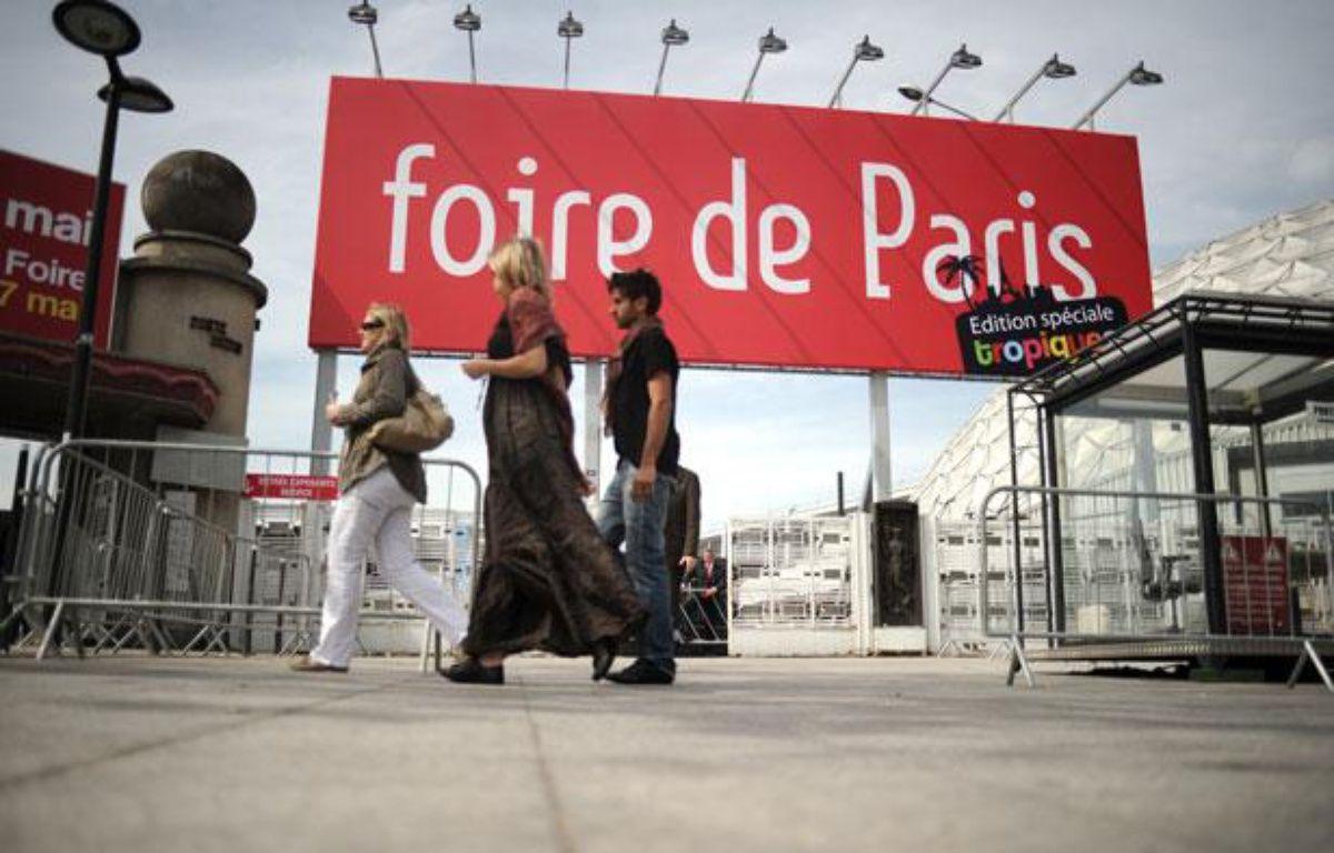 L'entrée de la Foire de Paris, à la Porte de Versailles à Paris, le 29 avril 2010. – AFP PHOTO / FRED DUFOUR