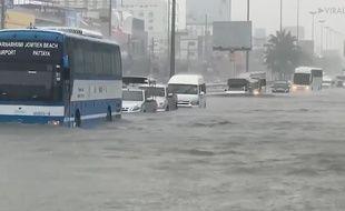 Des pluies ont provoqué des inondations à Pattaya, en Thaïlande