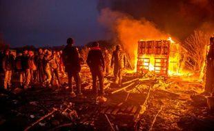 Des migrants dans le camp de la jungle le 1er mars 2016, à Calais