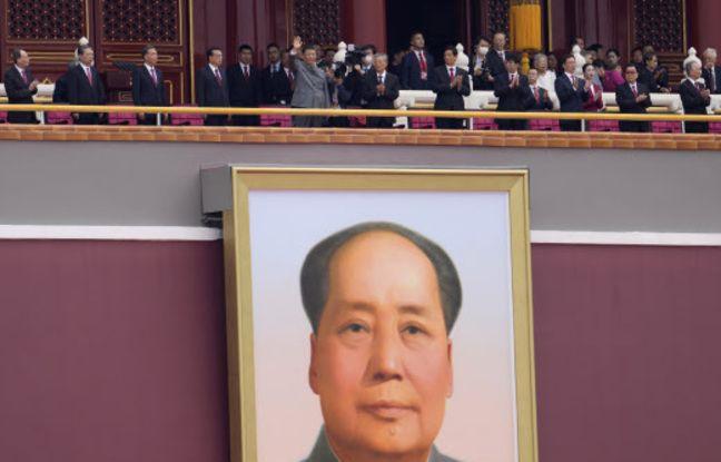 648x415 dignitaires chinois dont xi jinping pekin dessus immense portrait officiel mao zedong porte tiananmen