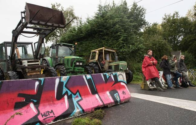 Opponents of the proposed airport at Notrde-Dame-des-Landes, September 22, 2015.