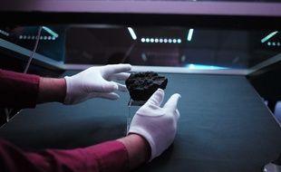 Bientôt une chasse citoyenne pour retrouver les météorites tombées en Alsace (Illustration au Planétarium de Nantes)