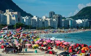 Il y a foule sur les plages de Rio de Janeiro, au Brésil, le 15 mars2021.