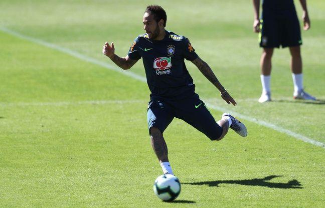Copa America: Neymar cède le brassard de capitaine du Brésil à Dani Alves