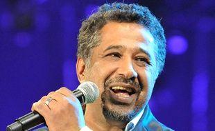 Le chanteur Khaled lors d'un concert à Rabat (Maroc), en mai 2012.
