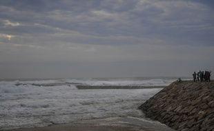 La plage Costa da Caparica, peu avant le passage de l'ouragan Leslie, le 13 octobre 2018.