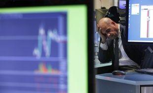 Ambiance à Wall Street après la chute du New York Stock Exchange due aux effets du coronavirus, le 25 février 2020.