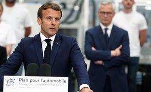 Emmanuel Macron le 27 mars sur le site de Valeo à Etaples.