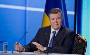 """""""Le Président Viktor Ianoukovitch a signé le décret accordant la grâce présidentielle à six condamnés, parmi lesquels l'ancien ministre de l'intérieur Iouri Loutsenko et l'ancien ministre de l'environnement Georgy Filiptchouk"""", a annoncé son cabinet dans un communiqué ."""