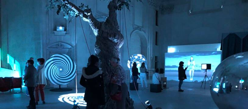 L'installation immersive de Tony Ourlser dans la Chapelle de l'Oratoire.
