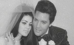 Priscilla et Elvis Presley le jour de leur mariage le 11 mai 1967