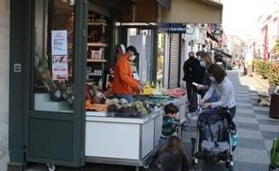 Depuis ce mercredi 8 avril, se couvrir la bouche et le nez est obligatoire à Sceaux (Hauts-de-Seine).