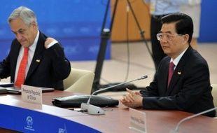 Le président chinois Hu Jintao a appelé samedi tous les pays d'Asie-Pacifique à préserver la paix et la stabilité, peu avant l'ouverture d'un sommet qui devrait être dominé par les disputes territoriales récemment ressurgies dans la région.