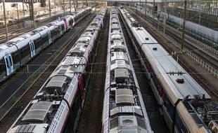 Des trains à l'arrêt pendant la grève, illustration.