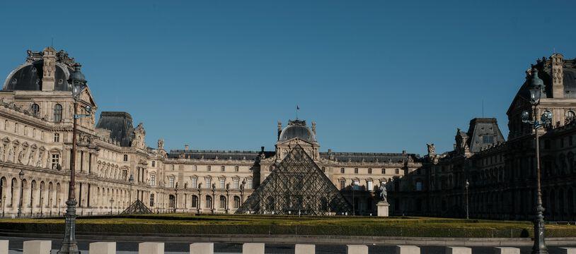 L'homme qui a attaqué des militaires au Louvre en 2017 nie avoir voulu tuer.