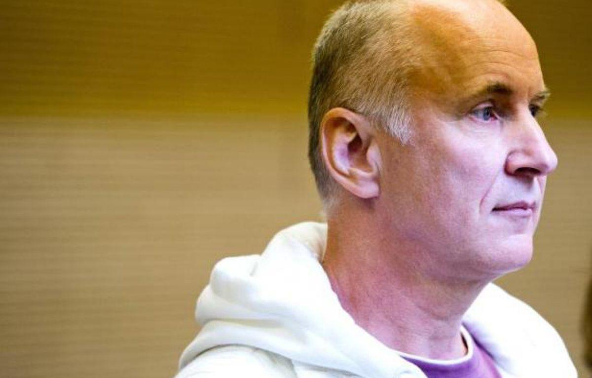 Detlev Günzel arrive au tribunal de Dresde pour son procès, le 22 août 2014 – Robert Michael AFP