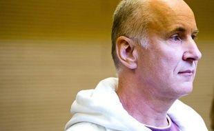 Detlev Günzel arrive au tribunal de Dresde pour son procès, le 22 août 2014
