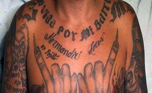 Les tatouages d'un membre de la Mara Salvatrucha, le 30 septembre 2014 à Tegucigalpa