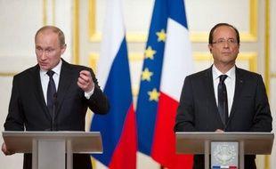 Le président russe Vladimir Poutine est resté ferme sur ses positions sur la Syrie, écartant de nouveau toute sanction de l'ONU contre le régime de Bachar al-Assad de même que le départ du dirigeant syrien, lors de déplacements vendredi à Berlin puis à Paris.