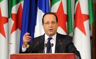 """Cinquante ans après l'indépendance de l'Algérie, François Hollande a reconnu solennellement vendredi à la tribune du Parlement algérien les """"souffrances que la colonisation française"""", qu'il a qualifiée de """"système profondément injuste et brutal"""", a infligées au peuple algérien."""