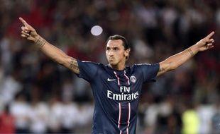 """La """"dream team"""" du Paris SG a connu samedi un accroc d'entrée contre Lorient (2-2) et a fait le dur apprentissage de son statut de grandissime favori de la Ligue 1, seule la superstar Zlatan Ibrahimovic, héros des siens avec un doublé, ayant été fidèle à son rang."""
