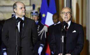 Bruno Le Roux et Bernard Cazeneuve, place Beauvau mercredi 6 décembre.