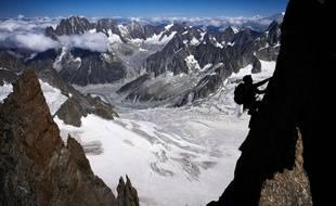 Le sommet du Mont-Blanc pourrait connaître plusieurs jours de dégel. Une situation qui n'est pas inédite mais assez exceptionnelle en ce début d'été.